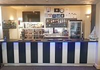 Ascot Hotel Bar 2018